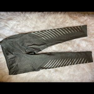 🎃 Gray with silver stripes leggings
